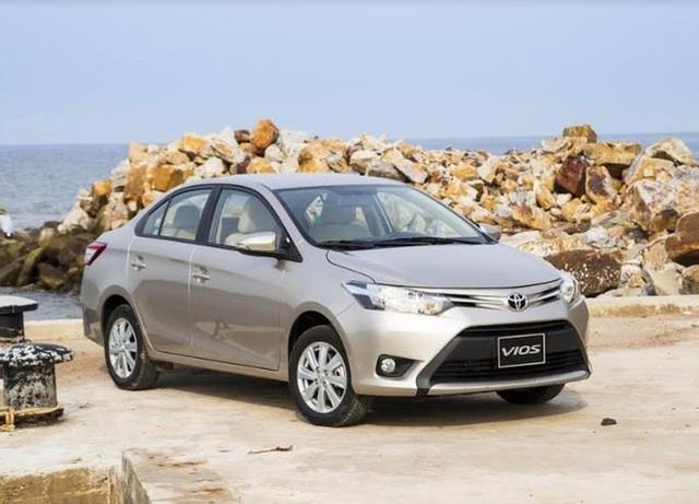 Soi 3 mẫu ô tô giá hấp dẫn, có chiếc chỉ nhỉnh hơn 300 triệu đồng sau giảm phí trước bạ - Ảnh 2.