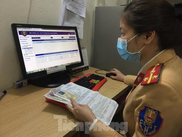 Hàng nghìn lượt vi phạm, chỉ một người nộp phạt qua mạng ở Hà Nội - Ảnh 1.