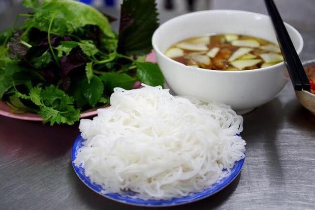 Số phận của những quán ăn Việt sau khi được các Tổng thống Mỹ ghé thăm đều thay đổi đến bất ngờ, nhưng gây tranh cãi nhất là hàng bún chả Obama - Ảnh 29.