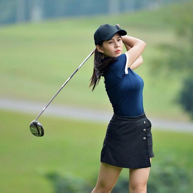Không hẹn mà gặp hội mỹ nhân Việt đều check-in ở sân golf: 1 buổi chơi golf có lợi ích bằng 1 tuần tập thể dục nên bảo sao không mê cho được - Ảnh 7.