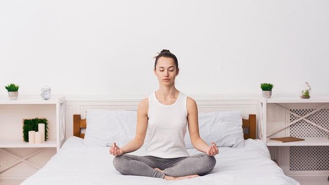 Cách đón ngày mới cũng là cách bạn tiến tới tương lai: Thực hiện việc đơn giản này để loại bỏi 80% suy nghĩ tiêu cực, tránh căng thẳng, duy trì hiệu suất làm việc cao - Ảnh 1.