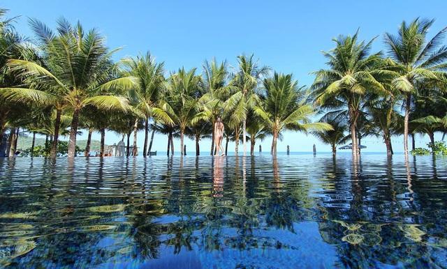 6 resort 5 sao sở hữu hồ bơi độc đáo bậc nhất đảo ngọc Phú Quốc đang có giá rẻ, giảm sâu đến không ngờ: Còn gì tuyệt hơn ngắm hoàng hôn, đắm mình trong làn nước xanh trong vắt - Ảnh 20.