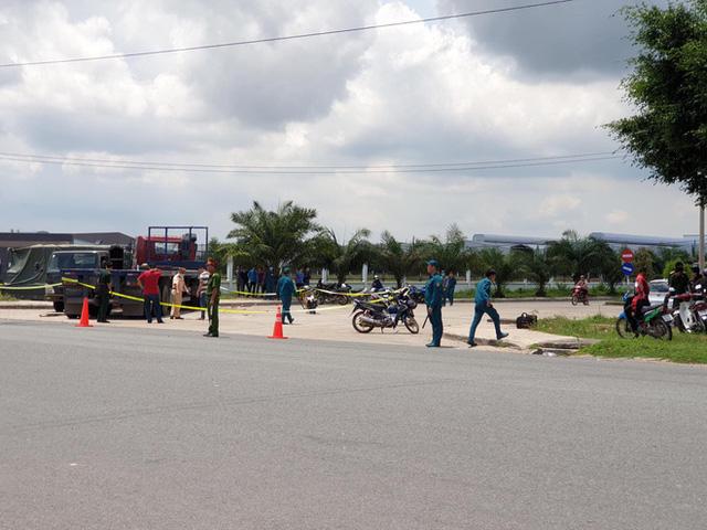 Xe container hất văng xe thùng biển đỏ, 7 người thương vong nằm la liệt trên đường - Ảnh 3.
