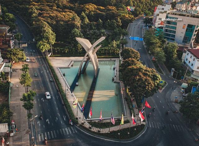 """Không tin vào mắt mình trước bộ ảnh chụp Sài Gòn từ trên cao đang """"gây bão"""" MXH: Xem hình, bạn đoán được đúng tên bao nhiêu địa điểm? - Ảnh 31."""