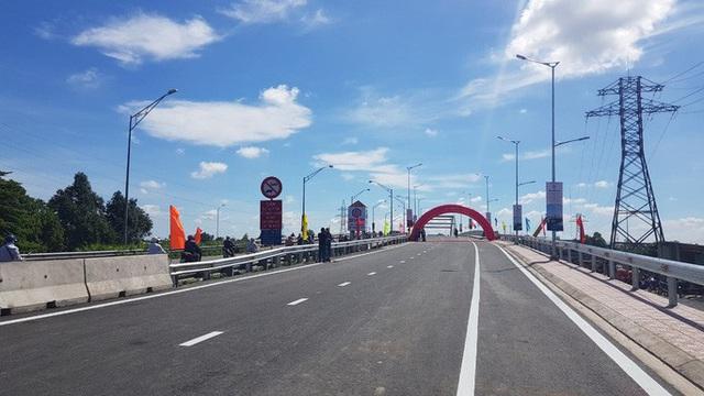 NÓNG: Bộ GTVT đồng loạt thông xe 6 cây cầu ở Long An  - Ảnh 2.
