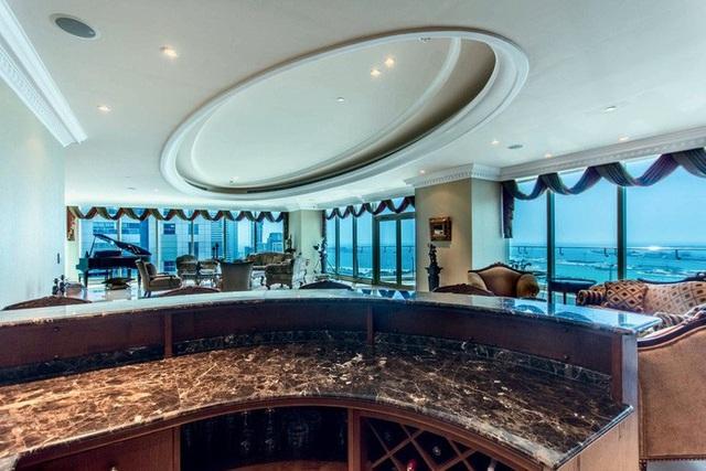 Khám phá căn penthouse trị giá gần 400 tỷ đồng của VĐV kiếm tiền giỏi nhất hành tinh: Thích đi Ferrari, Limousine, máy bay trực thăng hay phản lực, chỉ cần bấm 1 nút - Ảnh 6.