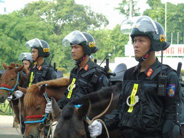 Thủ tướng và Chủ tịch Quốc hội dự Lễ ra mắt Đoàn Cảnh sát cơ động Kỵ binh  - Ảnh 3.