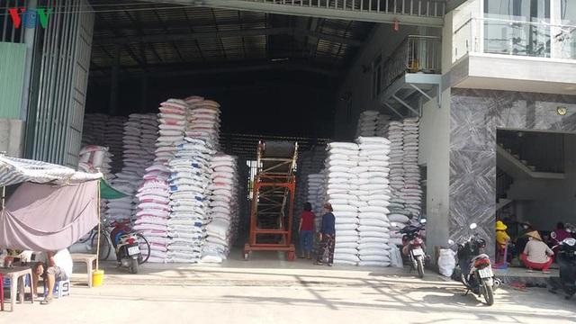 Giá gạo đã bắt đầu sụt giảm sau khi tăng ở mức kỷ lục - Ảnh 1.