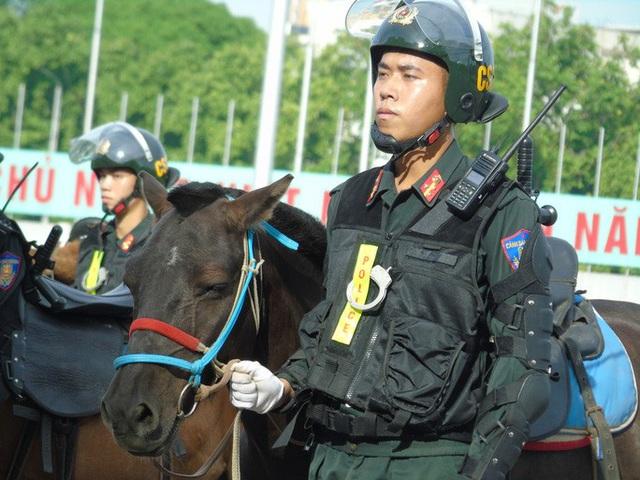 Thủ tướng và Chủ tịch Quốc hội dự Lễ ra mắt Đoàn Cảnh sát cơ động Kỵ binh  - Ảnh 7.