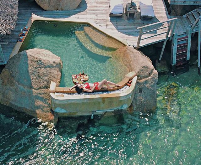 """8 resort biệt lập 5 sao đang có giá siêu """"hời"""" bên ngoài thành phố biển Nha Trang: Nơi hoàn hảo để rũ bỏ muộn phiền và hòa mình vào thiên nhiên - Ảnh 4."""