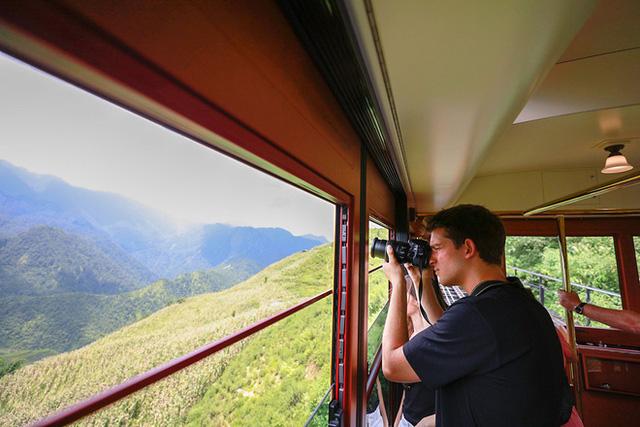 """3 con đường tàu với khung cảnh đẹp nhất Việt Nam, xem ảnh mà dân mạng không tin vào mắt mình vì """"ảo"""" y hệt trong phim - Ảnh 12."""