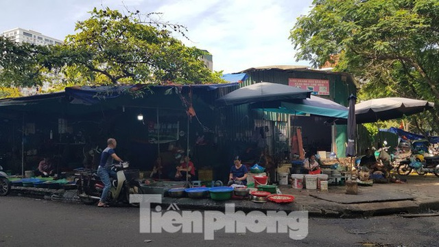 Cận cảnh ô đất vàng dịch vụ cuối cùng đô thị mẫu Hà Nội bỏ hoang 20 năm - Ảnh 14.