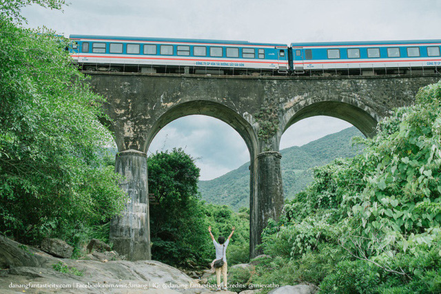 """3 con đường tàu với khung cảnh đẹp nhất Việt Nam, xem ảnh mà dân mạng không tin vào mắt mình vì """"ảo"""" y hệt trong phim - Ảnh 6."""