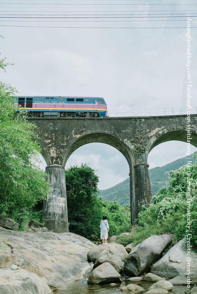 """3 con đường tàu với khung cảnh đẹp nhất Việt Nam, xem ảnh mà dân mạng không tin vào mắt mình vì """"ảo"""" y hệt trong phim - Ảnh 7."""