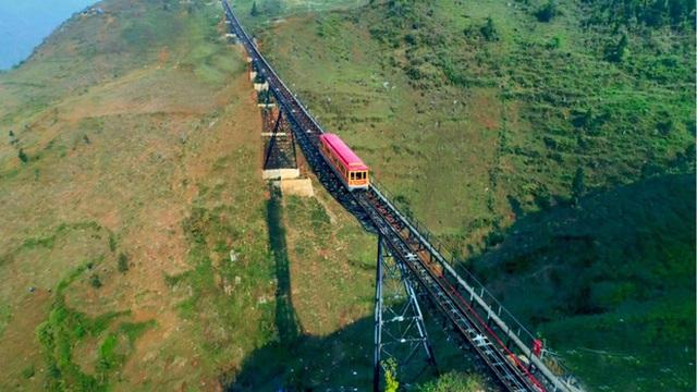 """3 con đường tàu với khung cảnh đẹp nhất Việt Nam, xem ảnh mà dân mạng không tin vào mắt mình vì """"ảo"""" y hệt trong phim - Ảnh 10."""
