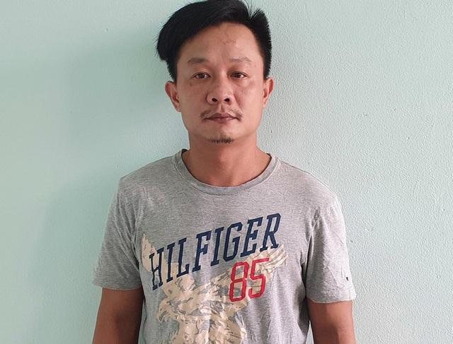 Bị bắt vì mua tiền giả trên facebook - Ảnh 1.