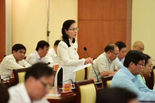 Giám đốc Sở Nội Vụ: TPHCM buộc phải cắt giảm 2.300 cán bộ - Ảnh 1.