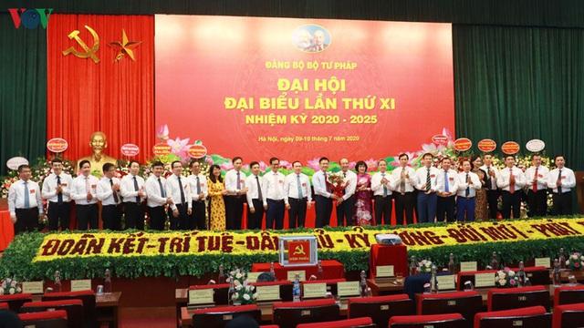 Thứ trưởng Phan Chí Hiếu tái đắc cử Bí thư Đảng ủy Bộ Tư pháp - Ảnh 1.