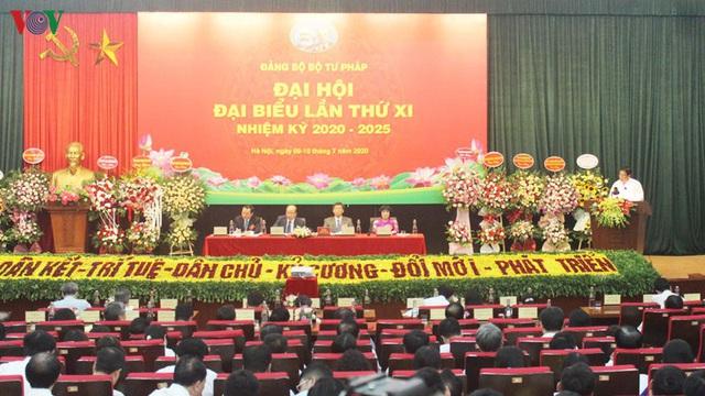 Thứ trưởng Phan Chí Hiếu tái đắc cử Bí thư Đảng ủy Bộ Tư pháp - Ảnh 2.