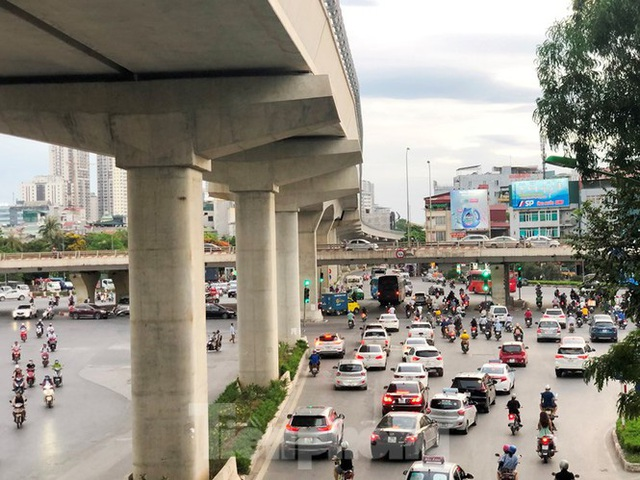 Cận cảnh đoạn metro Hà Nội vừa bị đòi bồi thường 19 triệu USD - Ảnh 1.
