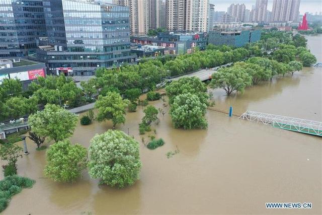 Hơn nửa miền Nam Trung Quốc chìm trong nước, thiệt hại khoảng 9 tỉ USD - Ảnh 3.