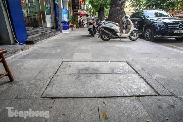 Vỉa hè các tuyến phố vùng lõi Thủ đô thay đổi ra sao sau lát đá tự nhiên? - Ảnh 10.