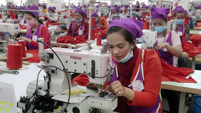 Covid-19 có khả năng chặn đứng giấc mơ thoát nghèo của công nhân dệt may ở nhiều quốc gia - Ảnh 6.