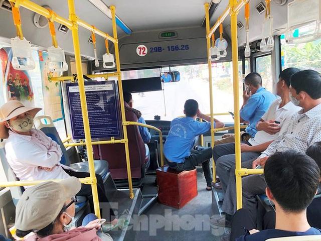 Cận cảnh tuyến xe buýt doanh nghiệp dọa dừng hoạt động ở Hà Nội - Ảnh 4.