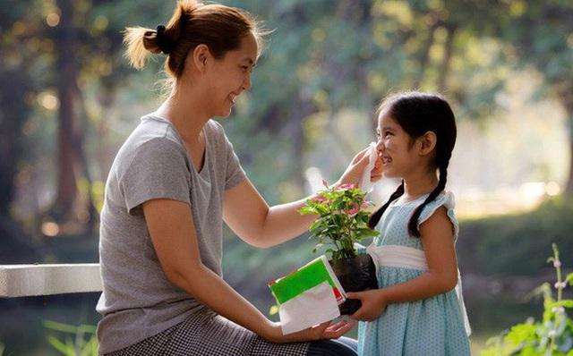 Tương lai của trẻ phụ thuộc vào phương pháp giáo dục của cha mẹ: Kịp thời chấn chỉnh tính xấu, định hình một khuôn phép đúng đắn, tạo nền móng bền vững cho con - Ảnh 2.