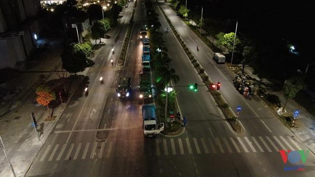 Người dân tiếp tục chặn xe, rác nội thành sẽ đi đâu? - Ảnh 1.