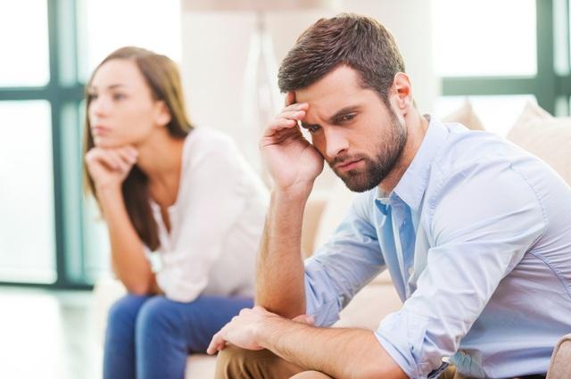 Theo dõi 700 cặp vợ chồng trong suốt 40 năm, tôi tìm ra 3 vấn đề quan trọng cốt lõi trong hôn nhân: Đổ vỡ hay bền lâu đều phụ thuộc vào điều này! - Ảnh 1.
