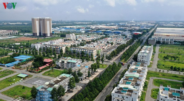 Hàng trăm biệt thự, nhà phố tiền tỷ bỏ hoang ở thành phố mới Bình Dương - Ảnh 1.