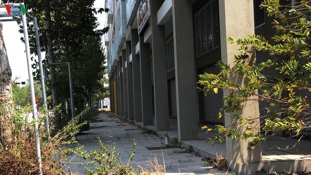 Hàng trăm biệt thự, nhà phố tiền tỷ bỏ hoang ở thành phố mới Bình Dương - Ảnh 10.