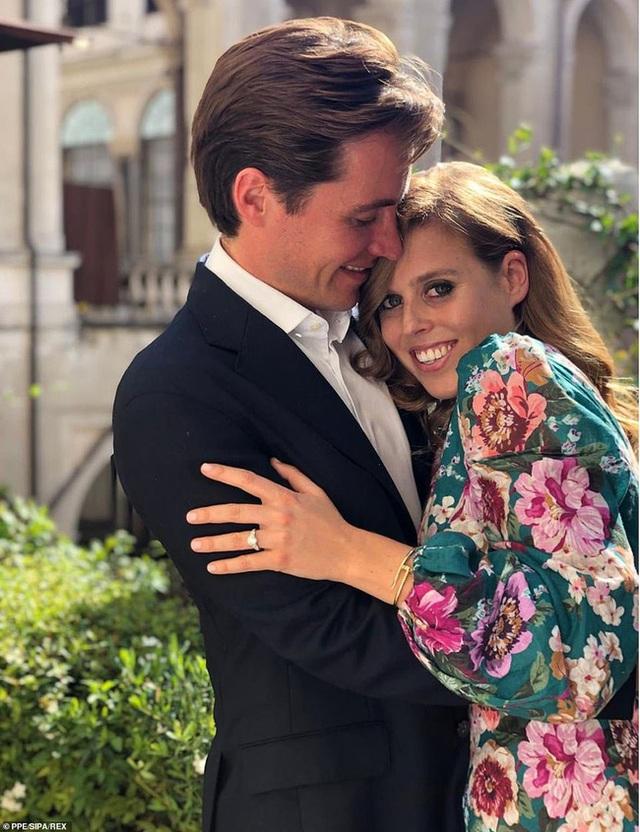 Công chúa nước Anh bất ngờ tổ chức hôn lễ riêng tư với những điều đặc biệt chưa từng có, khác xa so với đám cưới của Meghan Markle - Ảnh 1.