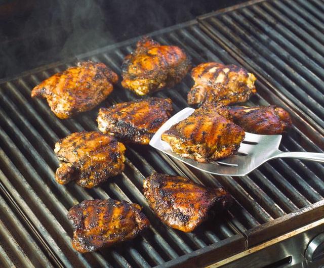 Chuyên gia dinh dưỡng khuyến cáo: Lợi và hại của 7 món thịt nướng khoái khẩu - Ảnh 4.