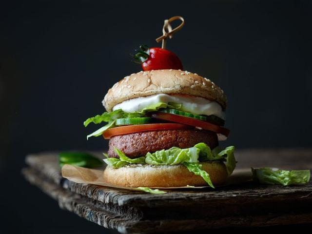 Chuyên gia dinh dưỡng khuyến cáo: Lợi và hại của 7 món thịt nướng khoái khẩu - Ảnh 6.