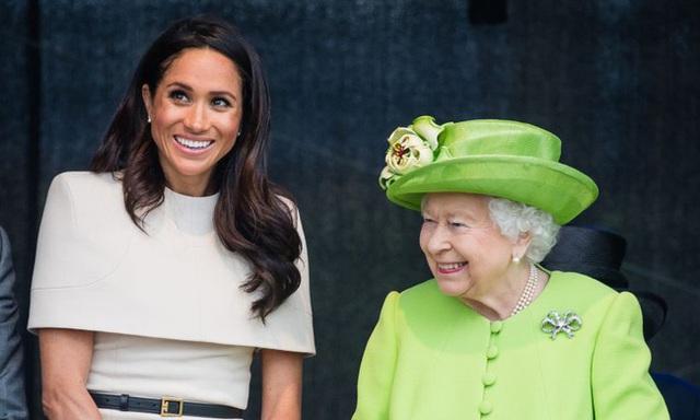 Đẳng cấp như Nữ hoàng Anh: Trị cháu dâu Meghan Markle chỉ bằng một thái độ duy nhất, đủ khiến cô tức tối nhưng không làm gì được - Ảnh 1.