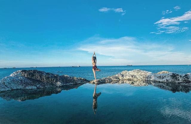 """Ngay tại Việt Nam cũng có 3 """"hồ bơi giữa biển"""" đẹp y hệt nước ngoài, hoang sơ đến nỗi rất hiếm du khách biết đến - Ảnh 13."""