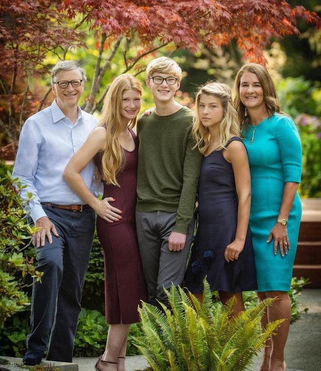 Con gái tỷ phú Bill Gates lần đầu tiết lộ cuộc sống bên trong gia đình tài phiệt của mình: Tôi được sinh ra trong môi trường đầy những đặc quyền - Ảnh 3.