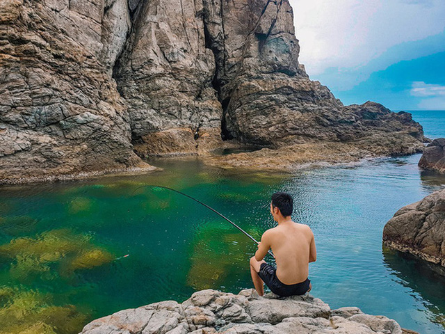 """Ngay tại Việt Nam cũng có 3 """"hồ bơi giữa biển"""" đẹp y hệt nước ngoài, hoang sơ đến nỗi rất hiếm du khách biết đến - Ảnh 8."""