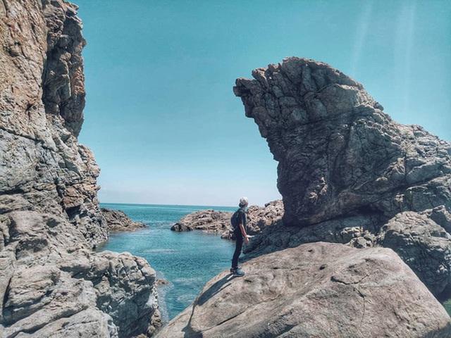 """Ngay tại Việt Nam cũng có 3 """"hồ bơi giữa biển"""" đẹp y hệt nước ngoài, hoang sơ đến nỗi rất hiếm du khách biết đến - Ảnh 9."""