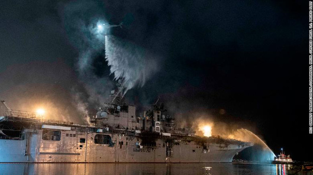 Đây là cách vụ cháy 4 ngày làm tổn hại Hạm đội Thái Bình Dương của Mỹ trong nhiều năm tới - Ảnh 1.