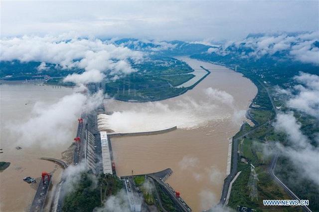 Đợt lũ thứ hai tràn về, nước hồ chứa đập Tam Hiệp cao kỷ lục - Ảnh 1.