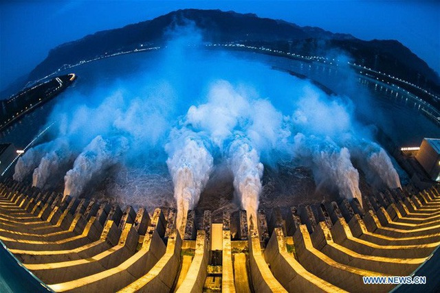 Đợt lũ thứ hai tràn về, nước hồ chứa đập Tam Hiệp cao kỷ lục - Ảnh 6.