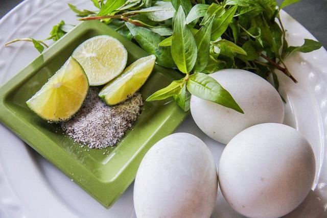 Trứng vịt lộn rất tốt nhưng nhất định phải ăn kèm theo 3 thứ này để hiệu quả tăng gấp bội, tránh gây hại cho cơ thể - Ảnh 2.