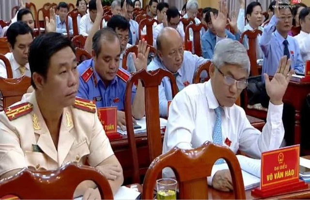 Miễn nhiệm chức Chủ tịch UBND tỉnh Quảng Ngãi đối với ông Trần Ngọc Căng - Ảnh 2.