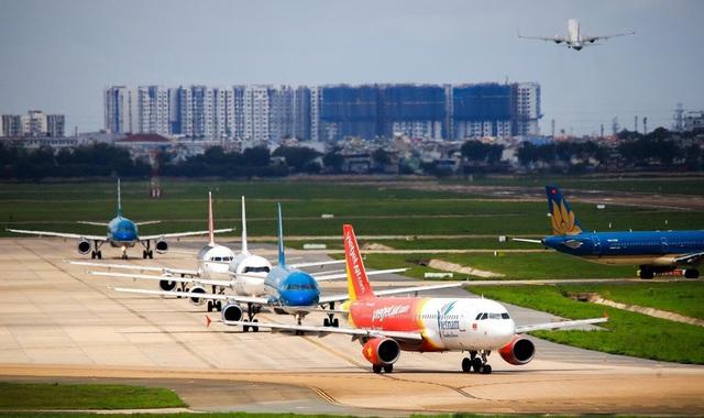 Cục hàng không Việt Nam: Lượng khách đi máy bay tăng kỷ lục - Ảnh 1.
