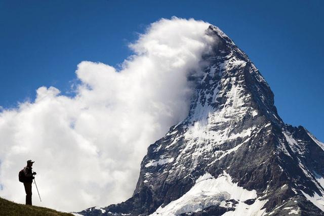 Cuộc đời cũng giống như leo núi: An yên, hạnh phúc hóa ra luôn ở ngay bên cạnh, người biết điểm dừng cuộc sống sẽ trọn vẹn hơn  - Ảnh 1.