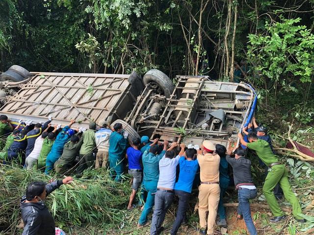 Tạm giam tài xế lái xe khách lao xuống vực làm 6 người tử vong  - Ảnh 1.