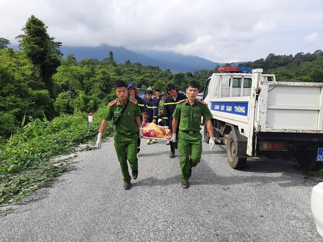 Tạm giam tài xế lái xe khách lao xuống vực làm 6 người tử vong  - Ảnh 2.